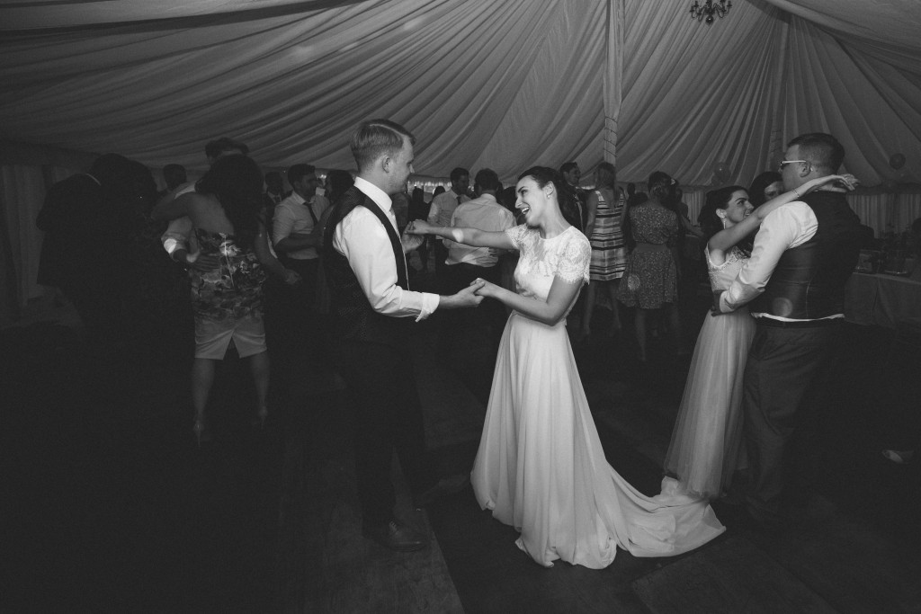 Olivia Jesus Peiro Real Bride - Dancing